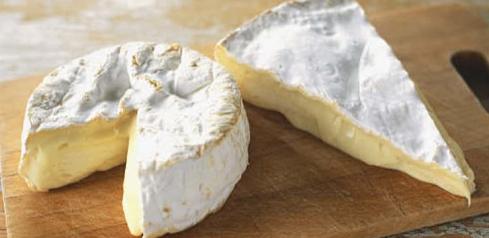 Camembert, Brie